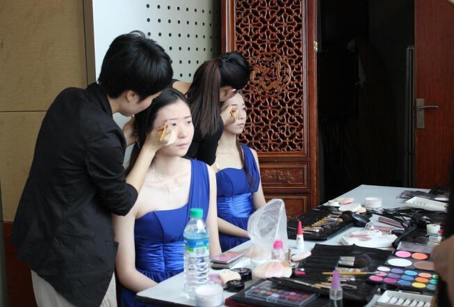 南昌成远化妆实践课堂